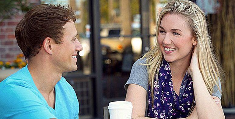 Come iniziare una conversazione con una ragazza